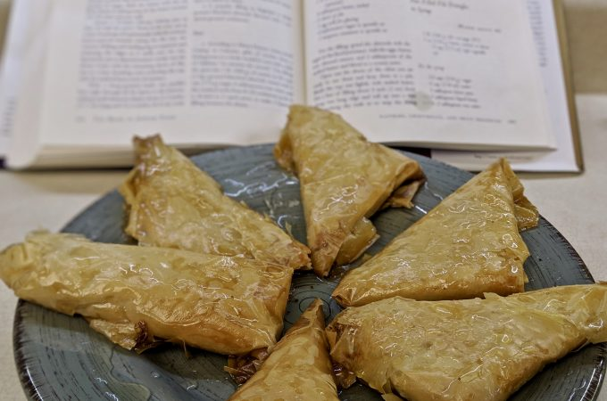 Sansaticos – Nut Filled Filo Triangles in Syrup