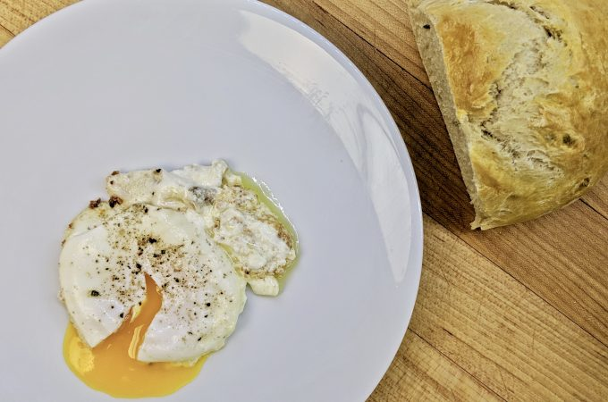 Uevos kon Keso – Egg and Cheese