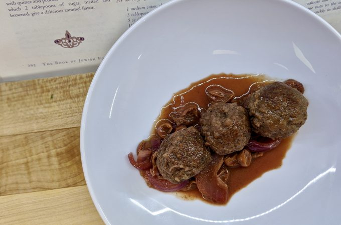 Kofta bil Karaz - Meatballs with a Sour Cherry Sauce